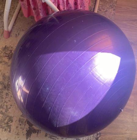 Продам резиновый мяч для беременных