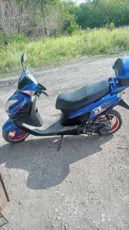 Продаю  скутер   в хорошем  состоянии
