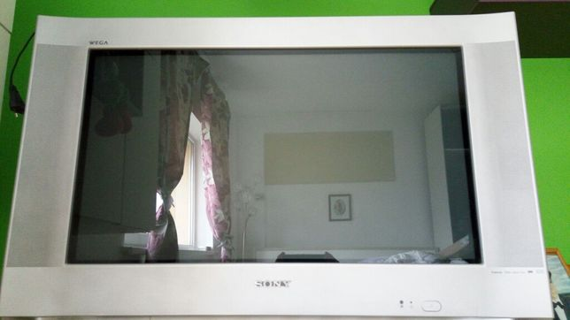Tv Sony WEGA Trinitron 100Hz Digital Plus BBE Digital Dolby Surround