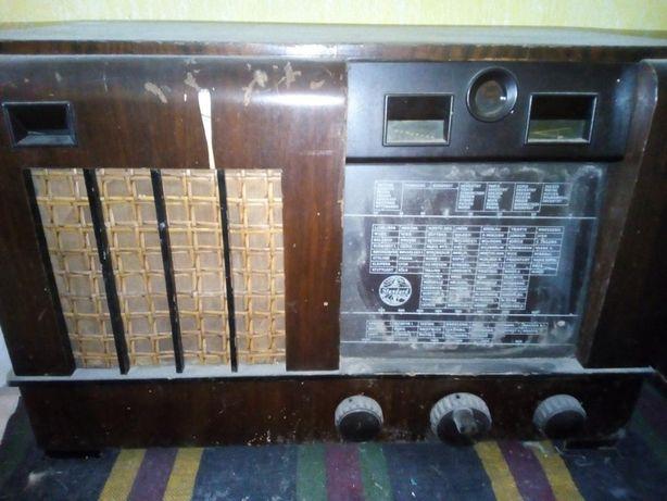 STANDARD Radio Ideal 1022 din anii 1930-1939