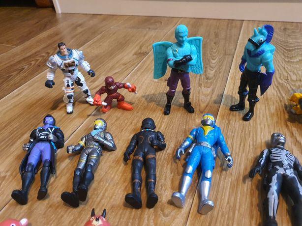 Vând diverse figurine