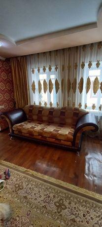 Продам диван кожыный срочно