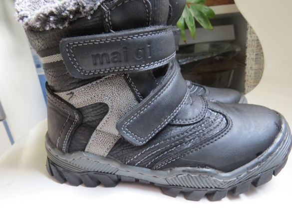 Детски обувки : боти-32 номер, туристически- 28 и 30 номер