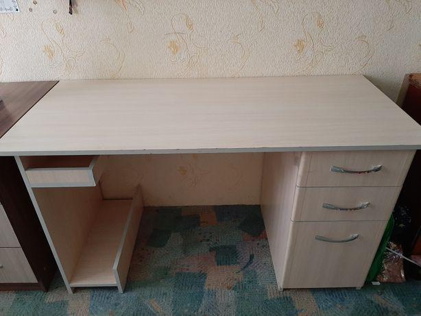Продам  стол подростковый