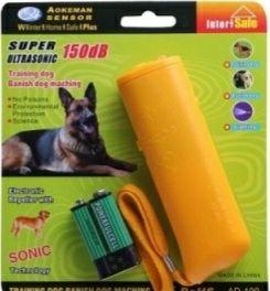 Aparat cu ultra sunete pentru îndepărtat câinii agresivi sau dresaj.