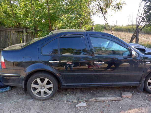 Dezmembrez Volkswagen bora 2003