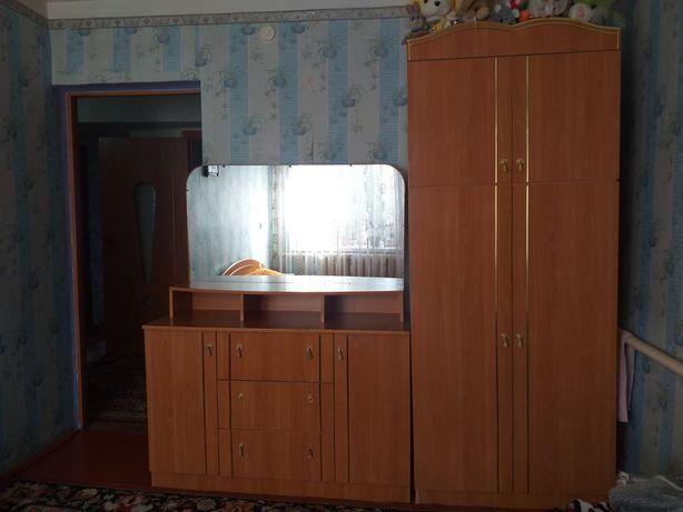 Продам мебель(кровать, камод, шкаф)