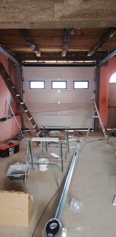 Usa de garaj sectionala cu 3 Geamuri