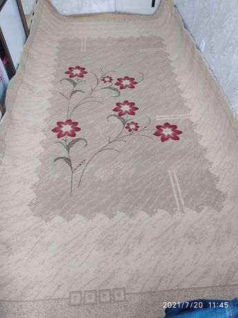 Продам ковёр DINARSU GoLD в отличном состоянии 2.3/4 после химчистки