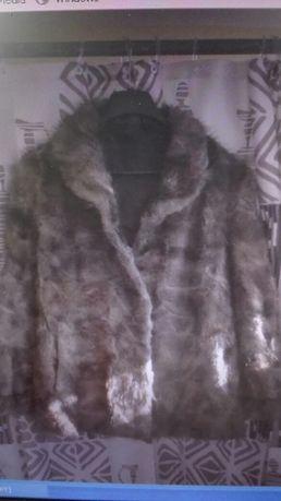Палто от Визон изглеждащо много добре.