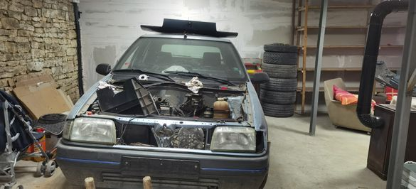 На части Renault 19