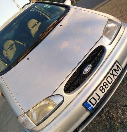 Vând Ford Galaxy
