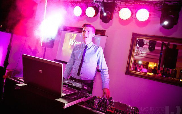 Dj Evenimente Craiova - Sonorizare - Lumini - Fum - Majorate - Party