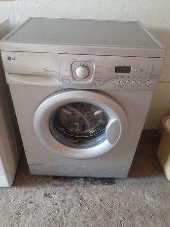 Продам качественую стиральную машинку автомат на 5 кг