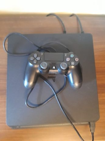 PlayStation PS4 SONY + doua jocuri