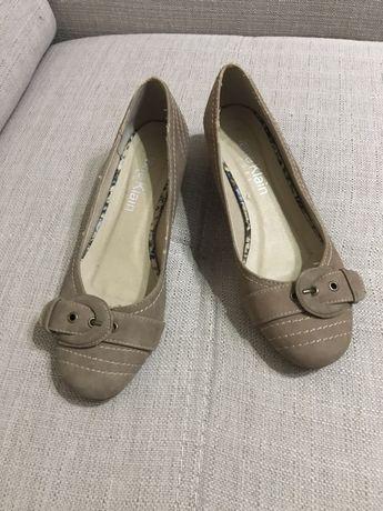 Vând pantofi pt femei