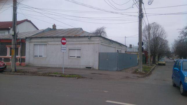Vând casă str. Roșiorilor nr.309