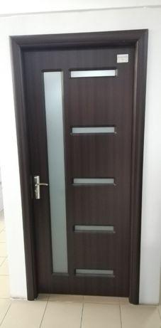 Uși de lemn interior și uși de exterior plus parchet din Elveția !
