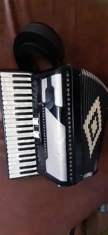 Vand acordeon italian cu midi si juzisound