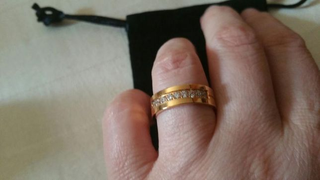 Inel placat cu aur de 18 k.