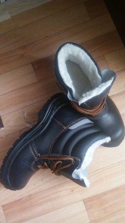 Ботинки зимние с железным подноском
