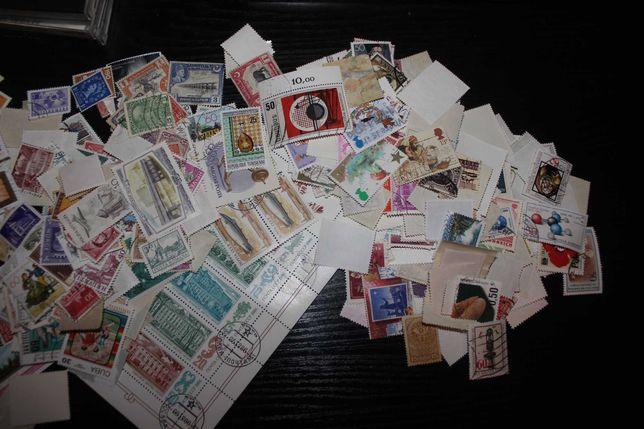 Продам марки около 2000 шт. Разные страны мира.
