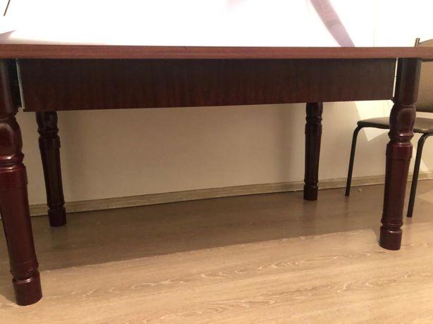 Идеальном сост. кухонный стол