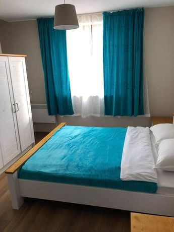 Единични легла, присти и спални