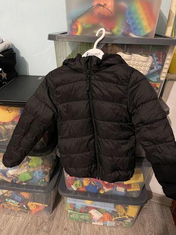 Осеняя-весення куртка H&M