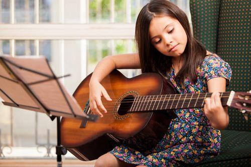 Обучаю игре на гитаре с НУЛЯ!