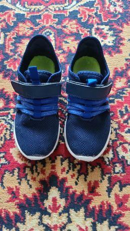 Лёгкие кроссовки размер 32