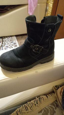 Продам осение ботинки