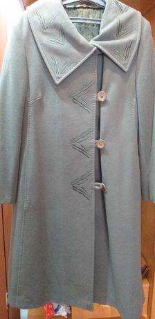 Продам пальто демисезонное,одевала 2 раза, размер 50-52,цена20000