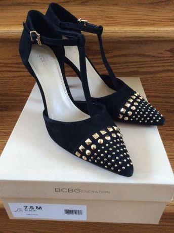 Нови Дамски обувки BCBG номер 37.5