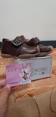 Детский ботинка межсезонная