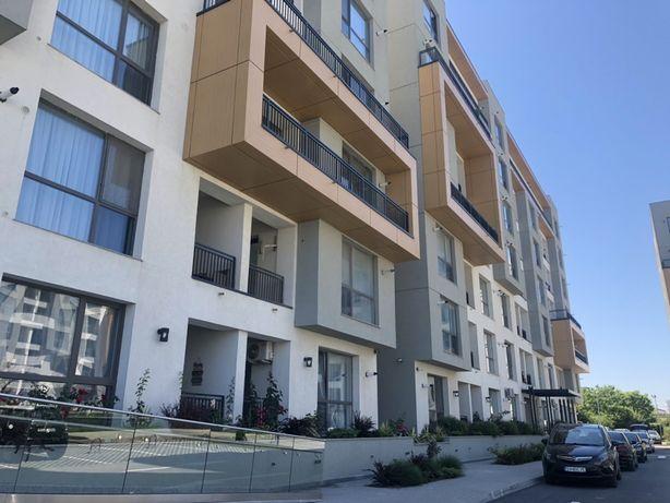 Vand apartament cu loc de parcare!