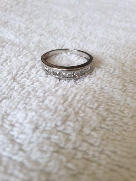 Inel din platină cu diamante