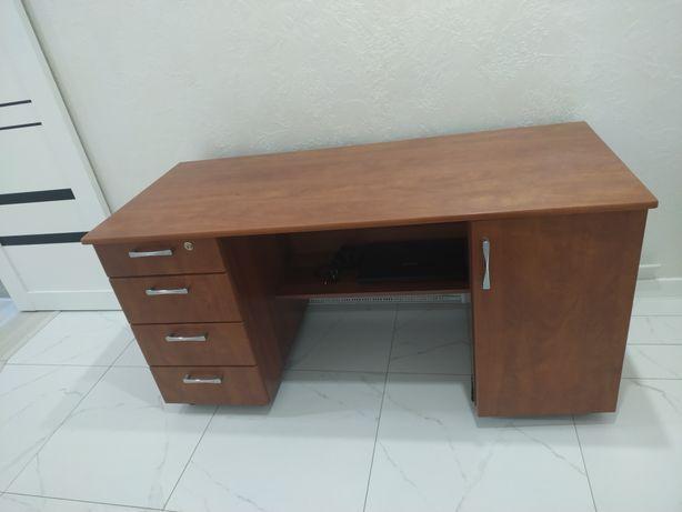 Стол письменный/ офисный