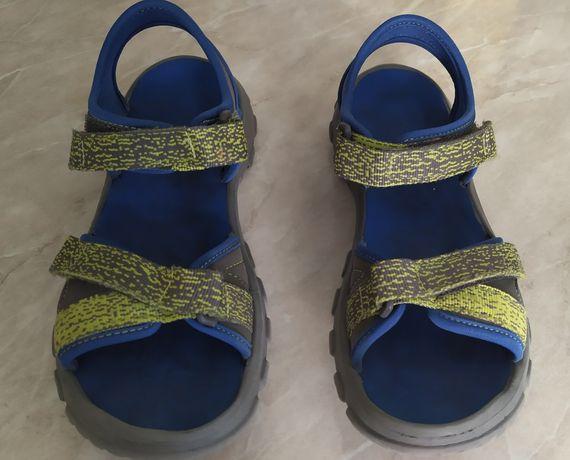 Продам сандали 34-36