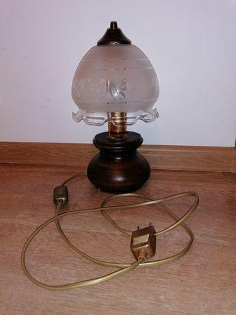 Veioza din lemn cu abajur din sticla