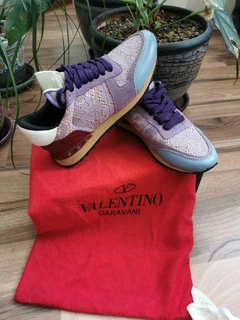 Валентино маратонки