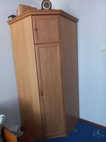 Продаётся угловой шкаф для спальни