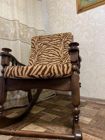 Продам кресло качалку,винтаж под старину,украсит любой интерьер.