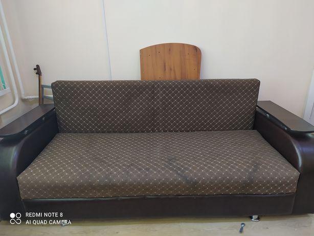 Продам диван срочно недорого