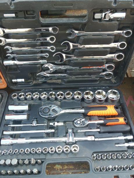 Набор инструментов 82