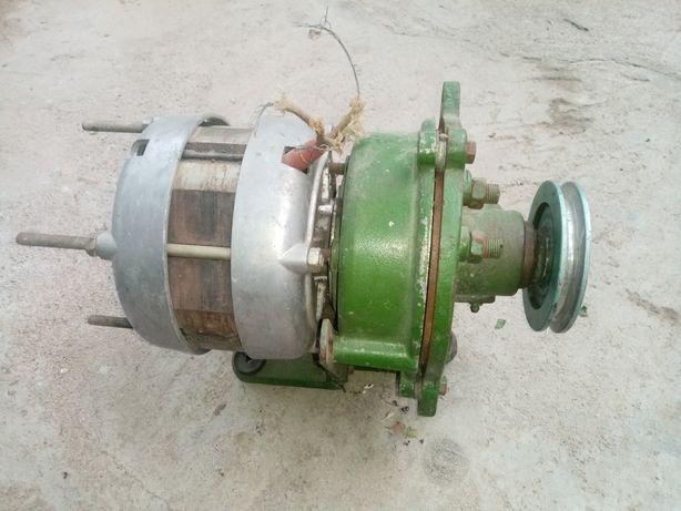Двигатель с редуктором для швейной машины