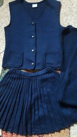Школьная форма: юбка, жилет,брюки