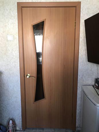 Межкомнатные двери в сборе со всеми принадлежнастями . Двери
