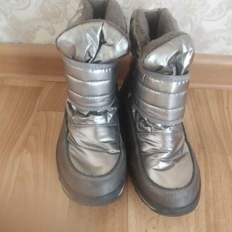 Продам обувь на девочку по 2000тг.