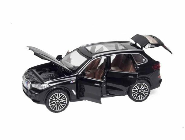 Mașinuță metalică BMW X5 , toate ușile mobile ,produs nou,15 cm